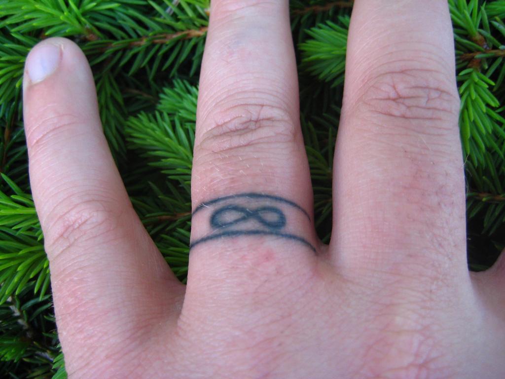 26 beautiful wedding ring tattoo design | entertainmentmesh