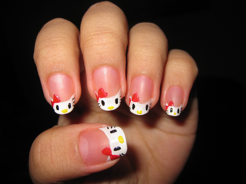 4 hello kitty nail art