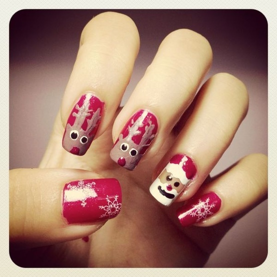 30+ Beautiful Christmas Nail Art Designs