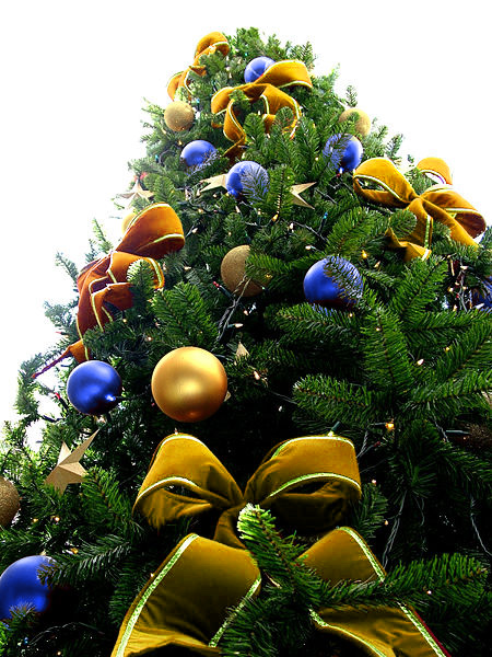 Yellow Bead Christmas Tree with Blue & Gold Ornaments