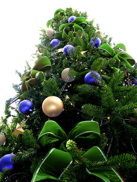 Green Bead Christmas Tree with Blue & White Ornaments