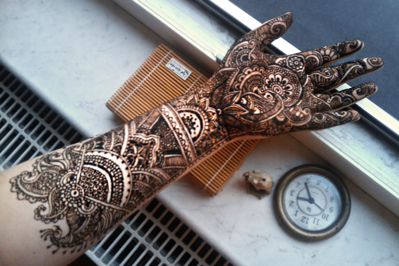 Mehndi Henna Mix : Detailed mehndi paste entertainmentmesh