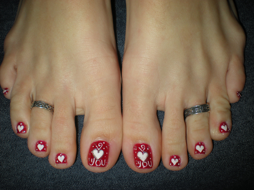 Heart nail designs for toes heart shaped nail design for toe nails g cute valentine s day nail art entertainmentmesh view images displaying prinsesfo Images