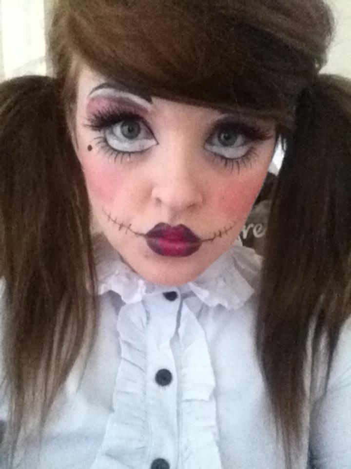 Get A Creepy Look With Halloween Doll Makeup ...