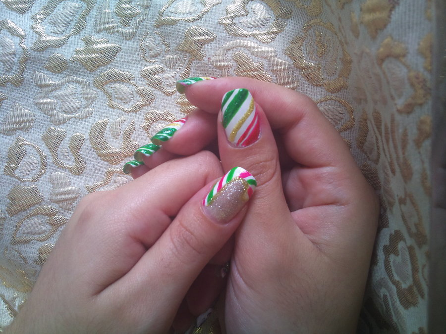 Christmas nail art - candy cane