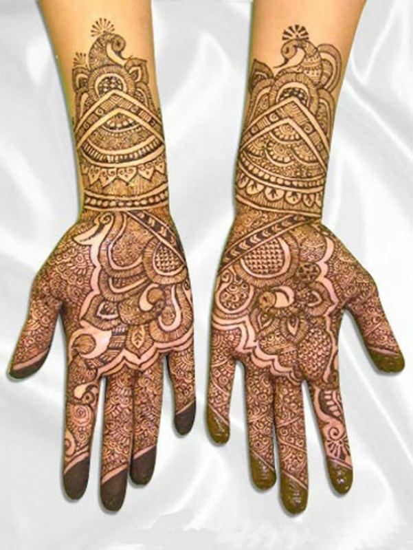Eid Mehndi Design on Hands