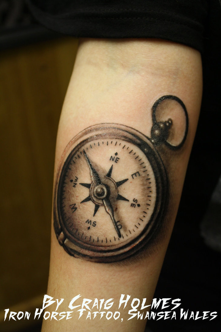 30+ Stunning Compass Tattoo Designs | EntertainmentMesh