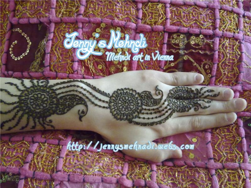 Latest Arabic henna