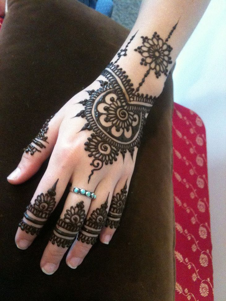 Latest 2015 New Best Back Hand Mehndi Design Ideas For Eid 2015