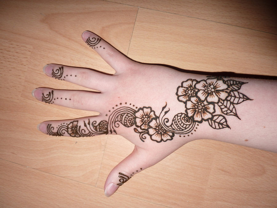 Flower Wali Mehndi : Floral mehndi henna designs for girls hands