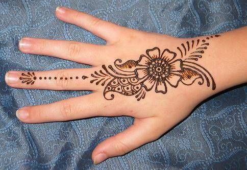 floral mehndi design 2