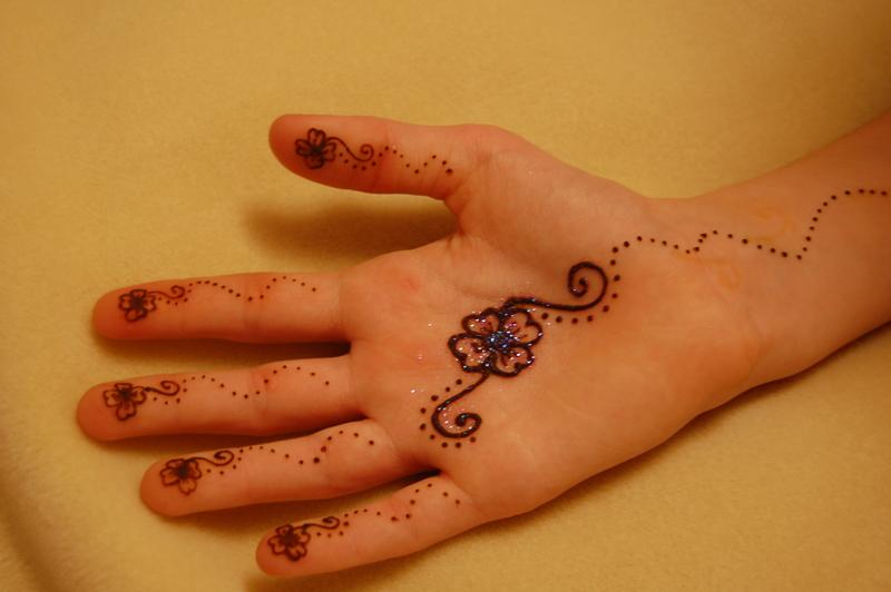 floral mehndi designs for hands 2