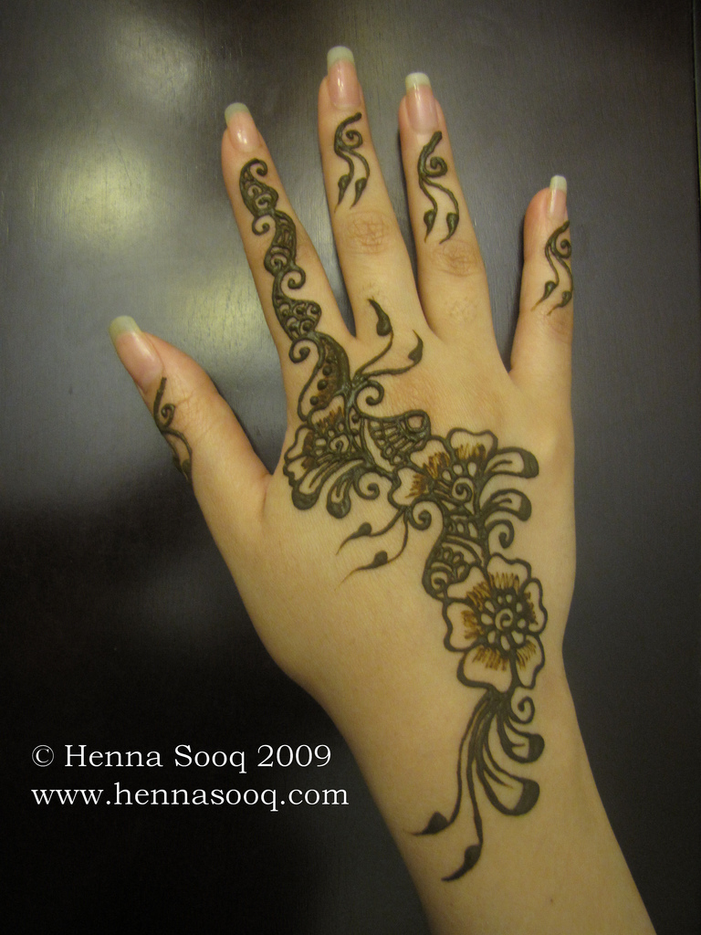 floral mehndi designs for hands 4