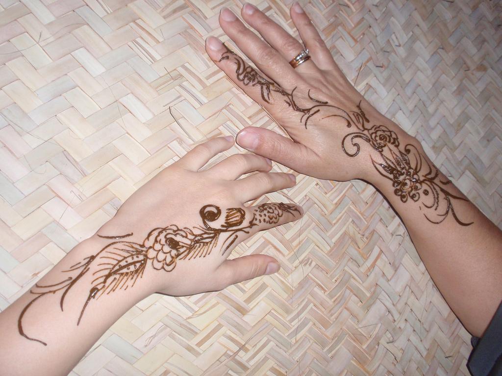outstanding mehndi design for eid