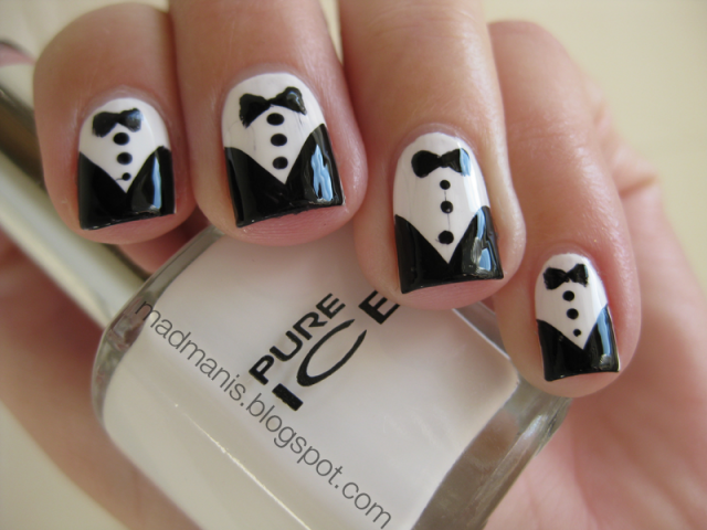 23 black and white nail design