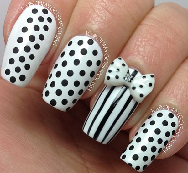 24 black and white nail design