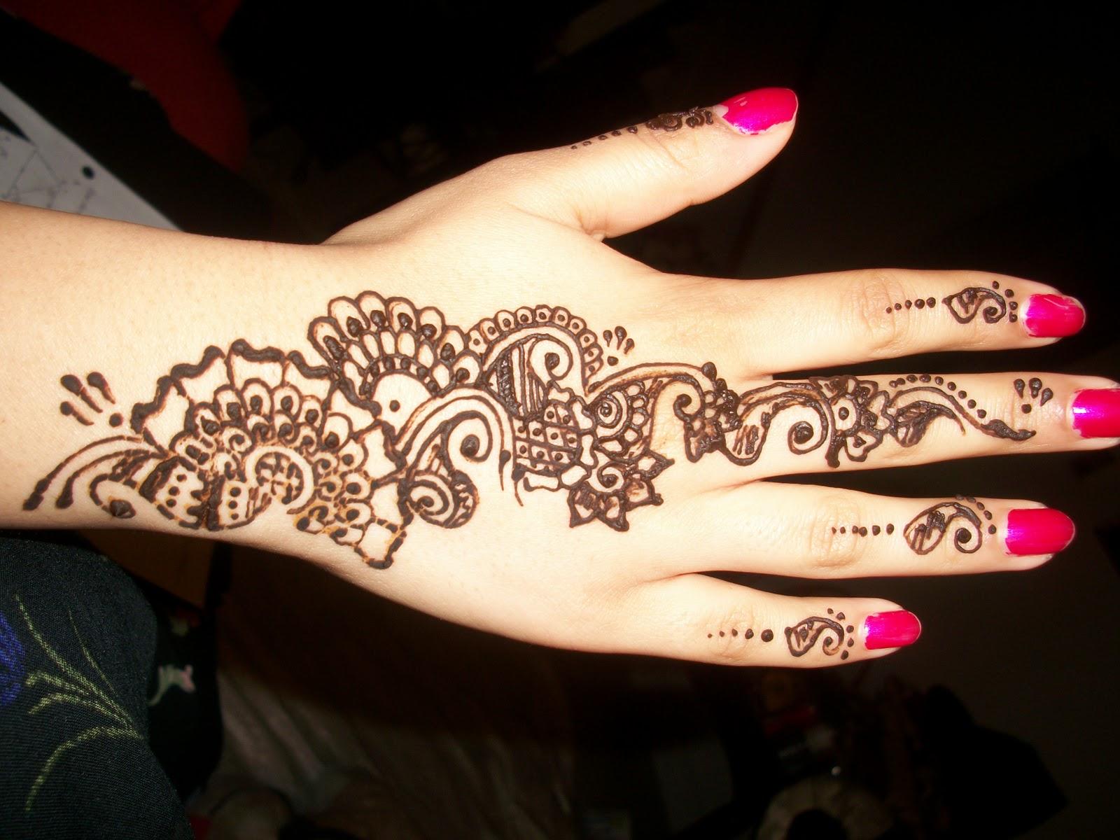 easy henna design on hands