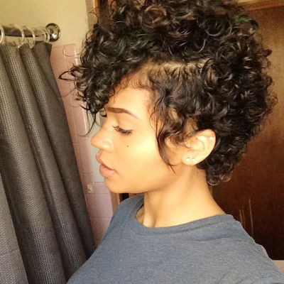 short curly hairstyle pic