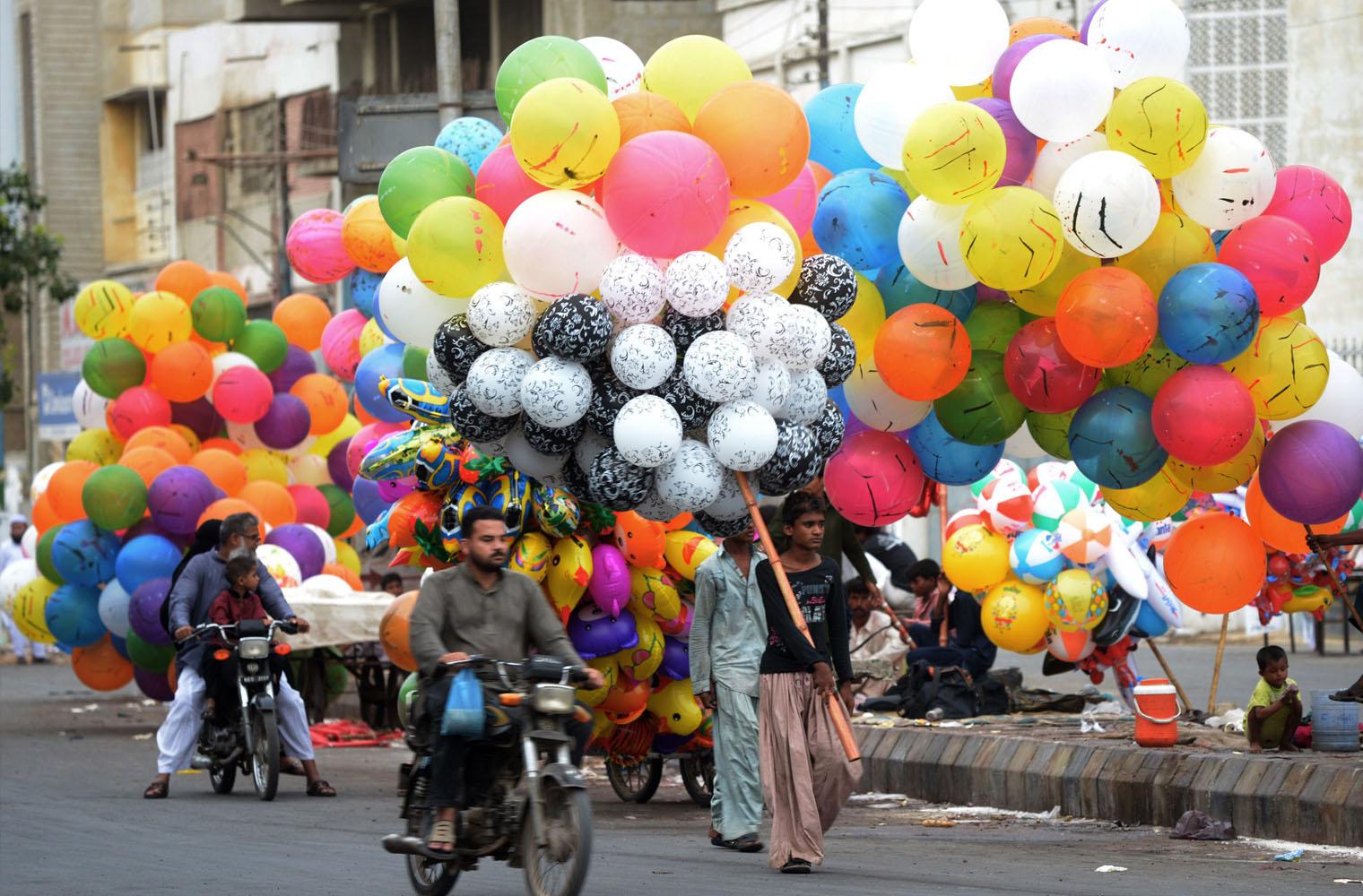 Eid Ul Fitr Celebration picture Karachi Pakistan