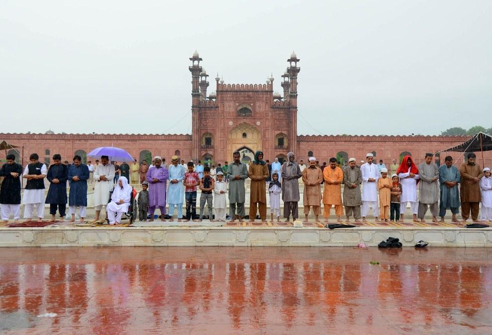 Eid Ul Fitr Prayer 2015 Badshahi Mosque Lahore Pakistan