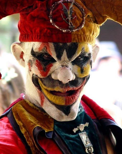 halloween makeup ideas- creepy clown facepaint