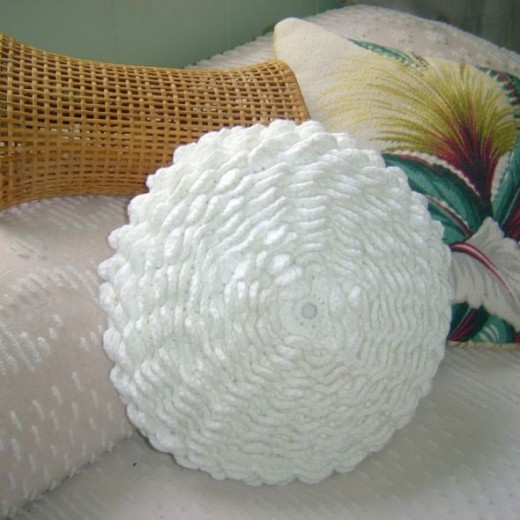 crochet-flower-pillow