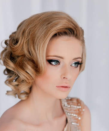 Beautiful Wedding Hairstyle In Vintage Curls