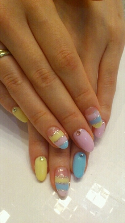 pretty oval easter nail designs