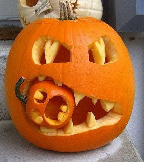 pumpkin-crusher-decoration-piece