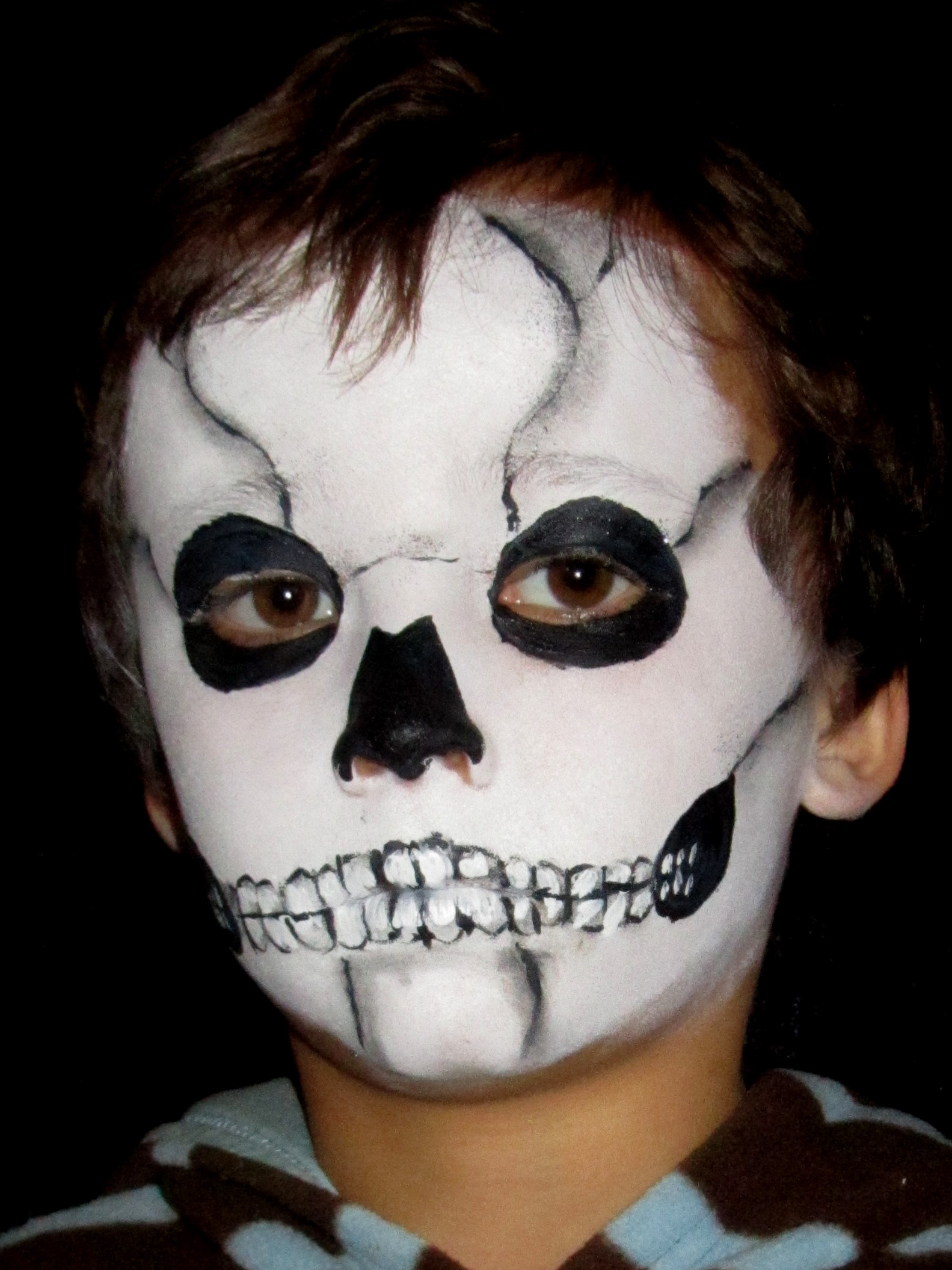 skeleton face kid makeup - Easy Scary Halloween Face Painting Ideas