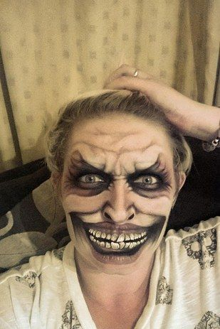 creepy-clown-face-paint