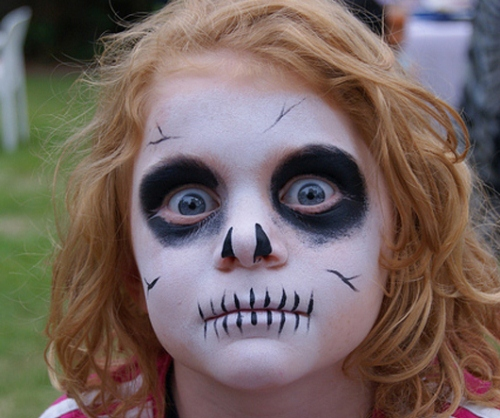 skull-inspired-face-makeup