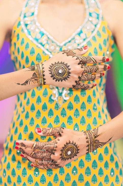 full back hand punjabi mehndi design for girls