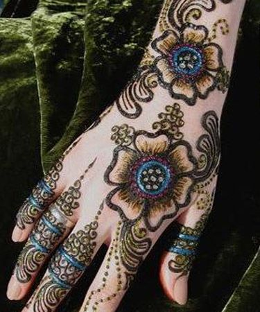 glitter colored flower mehndi design