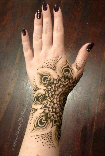 latest mehndi design for girls hands