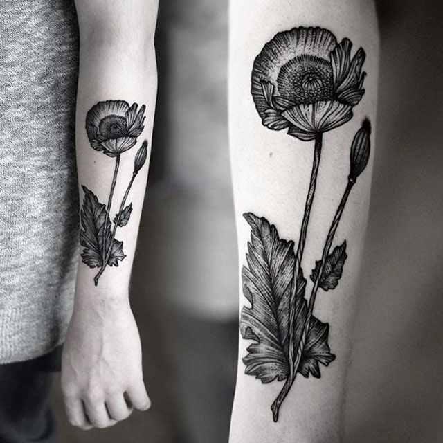 Bold poppy flower design for arm