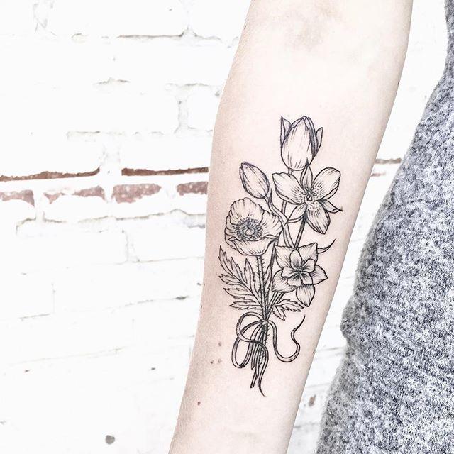 Columbine flower bouquet pattern