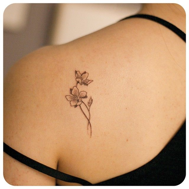 30 beautiful black and white flower tattoos for women entertainmentmesh. Black Bedroom Furniture Sets. Home Design Ideas