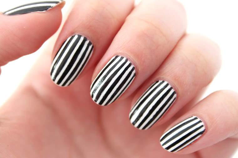 White and Black Striped Accent Nail Mani