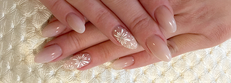 simple graceful spring nails