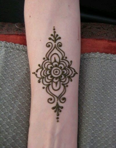 small henna pattern for arm