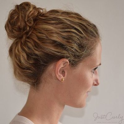 19-bun-hairstyle-for-wavy-hair