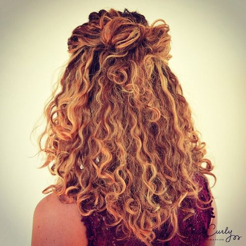 curly half-up hairstyle