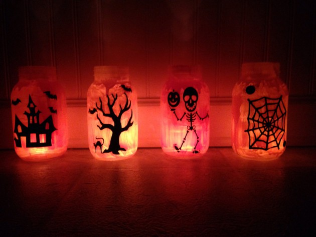 Scary-Handmade-Halloween-Mason-Jar-Decorations