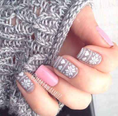 Sweater print stamp nail art