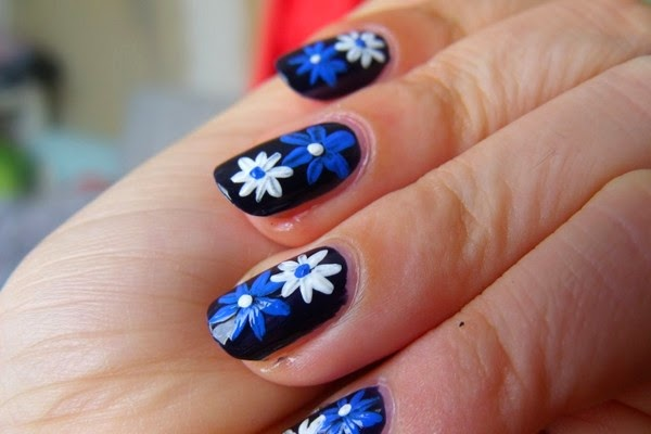 easy-daisy-flower-fingernail-designs-to-do-at-home