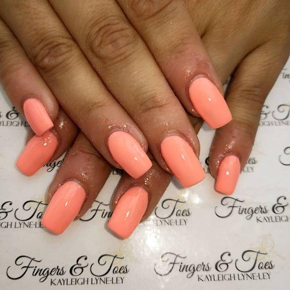 Pretty Peach Coral Nails