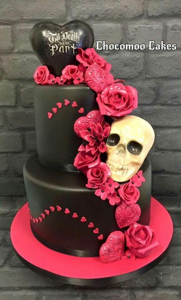 black heart and skull halloween wedding cakes