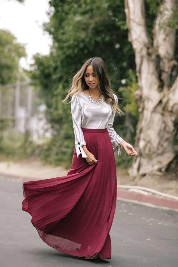 burgundy pleated maxi skirt christmas holidays outfit ideas for teen girls
