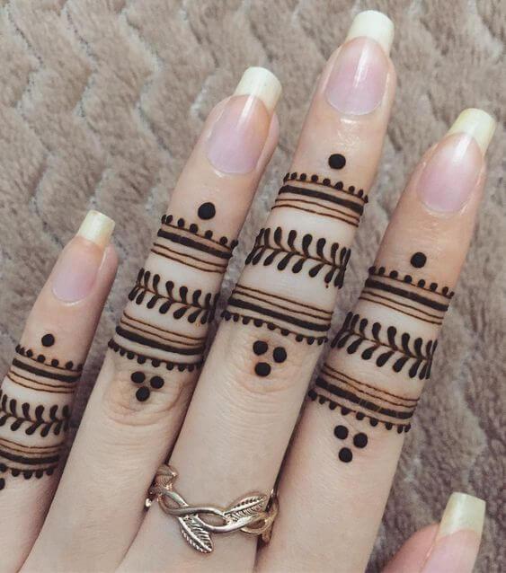easy stylish ring mehndi designs on fingers